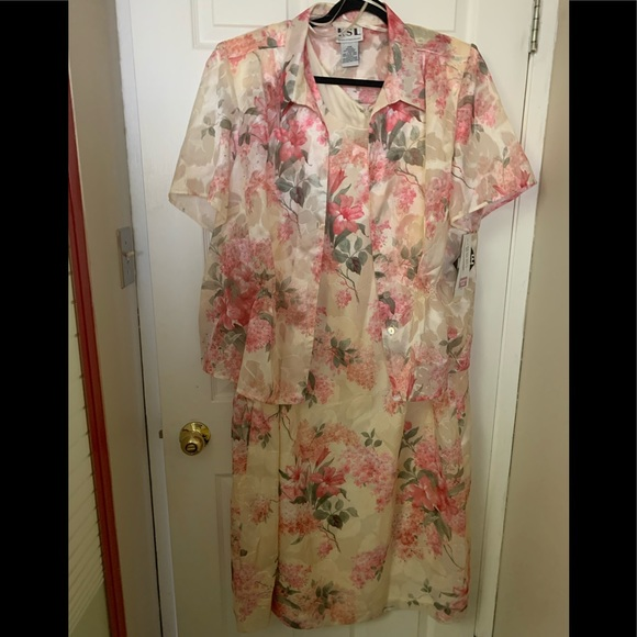 Plus size Size 24 2 piece  formal dress